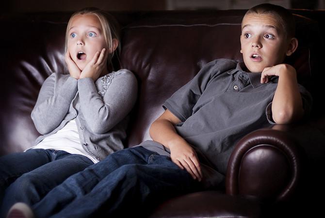 Temporada de películas de terror en casa: conoce los efectos en niños y adolescentes