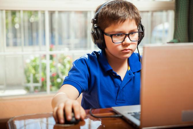 Si tus hijos invierten mucho de su tiempo en videojuegos durante las vacaciones, esto te va a intere