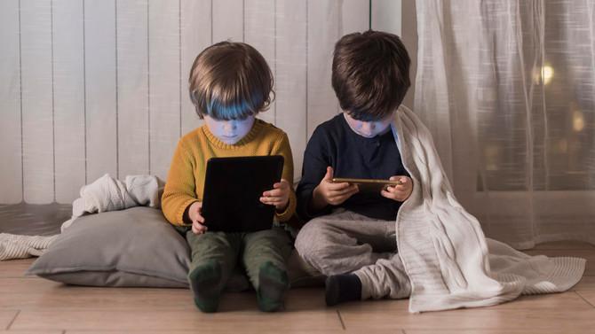 Pregunta: Mi hijo no estaba acostumbrado a usar tanto el iPad. Ahora con el encierro está pegado des