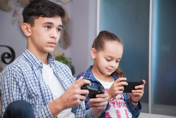 Pregunta: Me gustaría recibir tips para que mis hijos se alejen de las redes sociales y los videojue