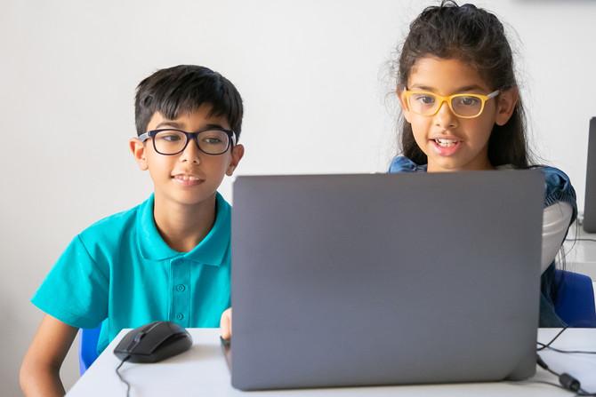 Pregunta: ¿Cómo cuidar el tiempo en pantalla de mi hijo si la usa todo el día para clases y tareas?