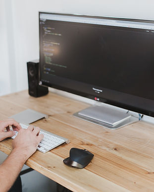 negative-space-widescreen-monitor-coding