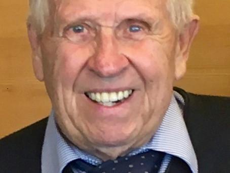 Dr. Wernher Messenböck aus Freistadt (1931 - 2019)             Der Herr Rat im roten Skoda
