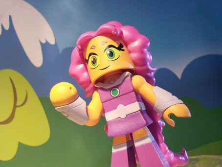 """Diamond Select Toys: Toys""""R""""Us to Offer Exclusive Retro Starfire DC Vinimate at NY Comic Con"""