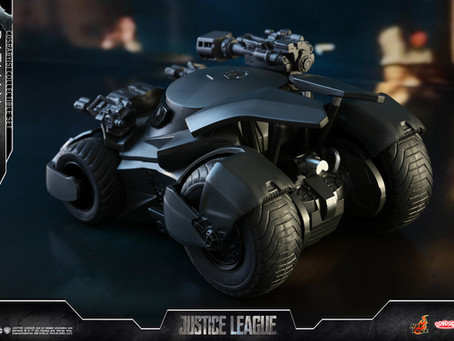 Hot Toys: Justice League Batman and Batmobile Cosbaby set