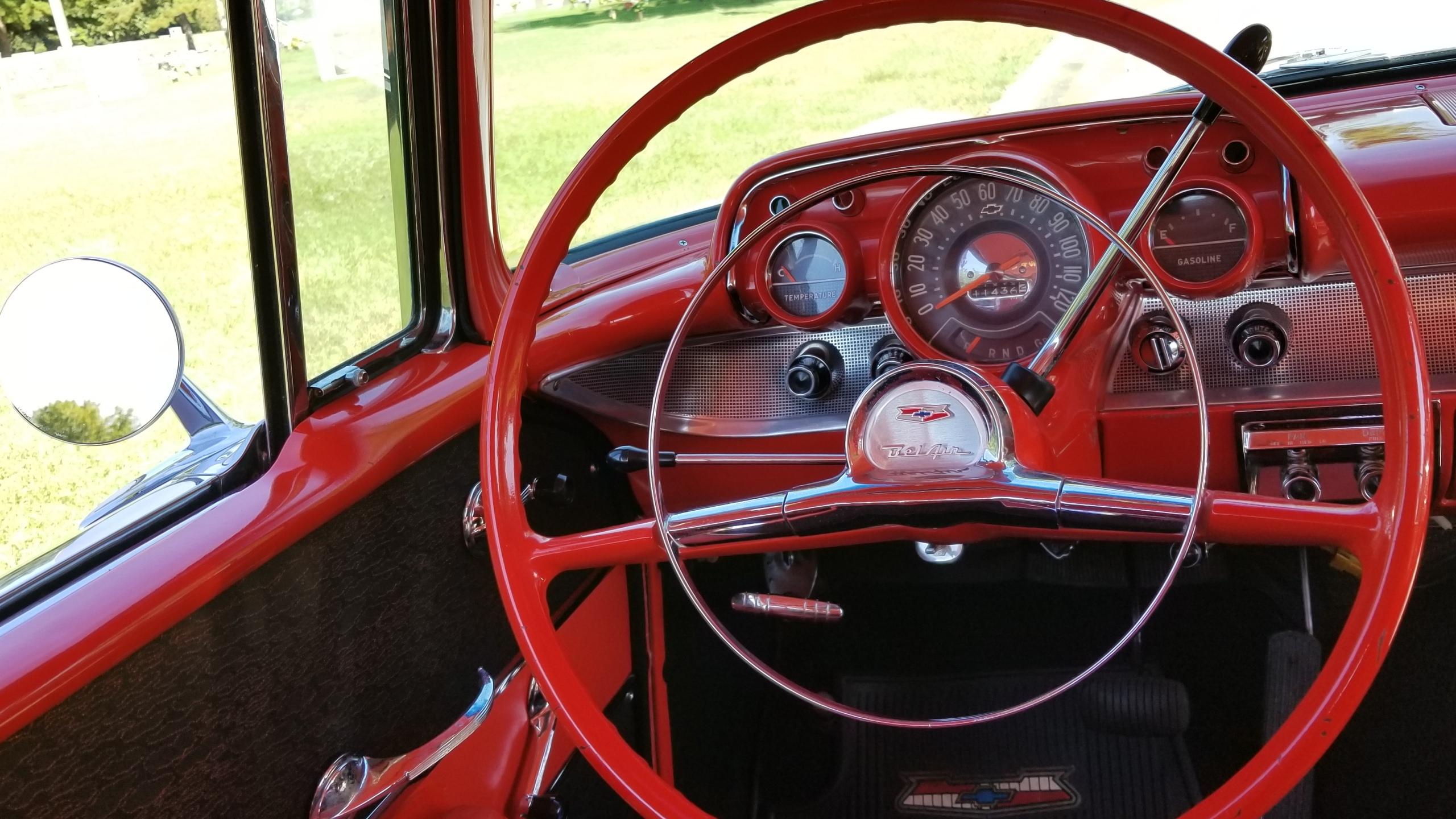 1957 Chevy Belair Hardtop White (39)