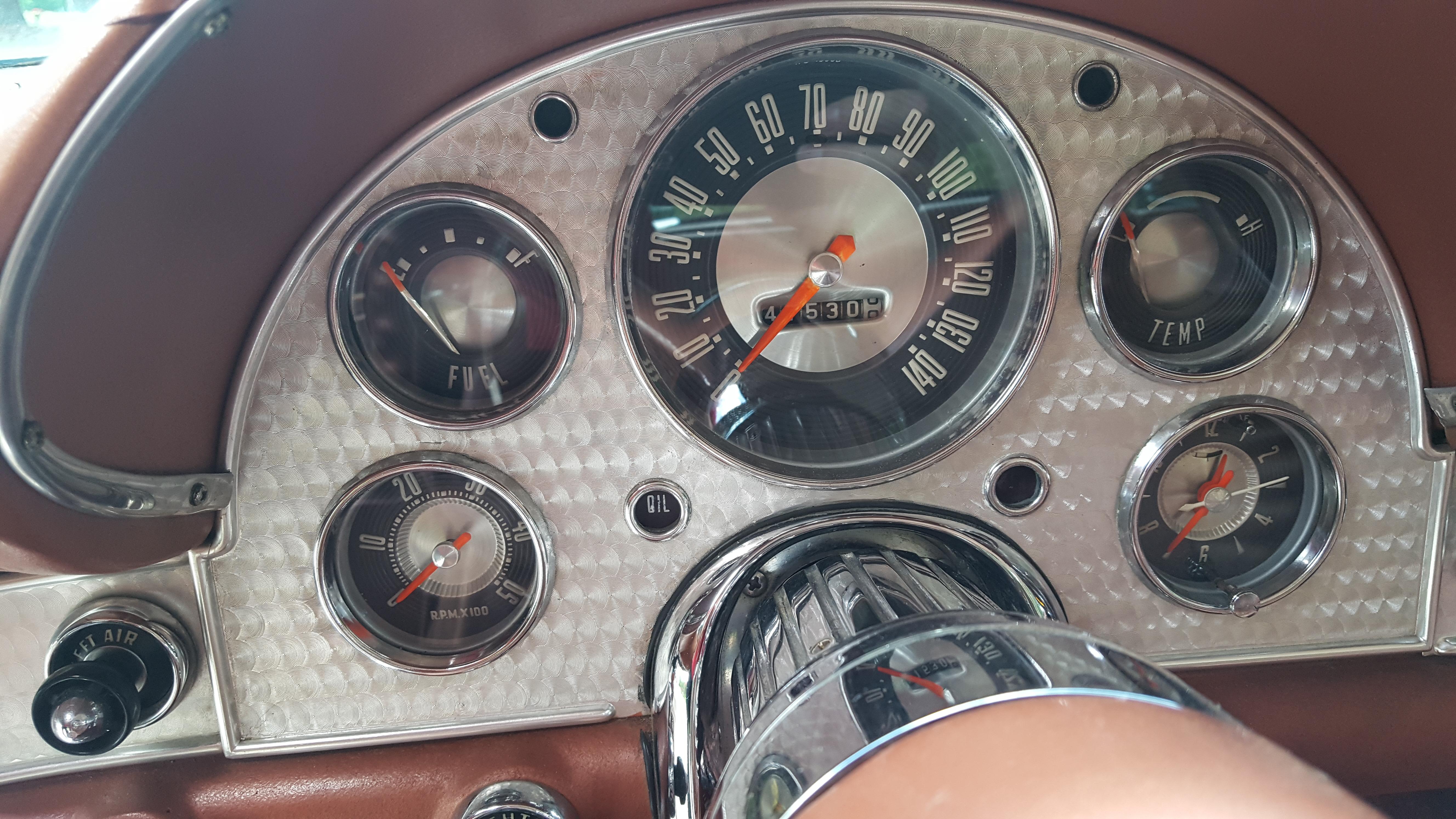 1957 Thunderbird (28)