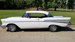 1957 Chevy Belair Hardtop White (28)