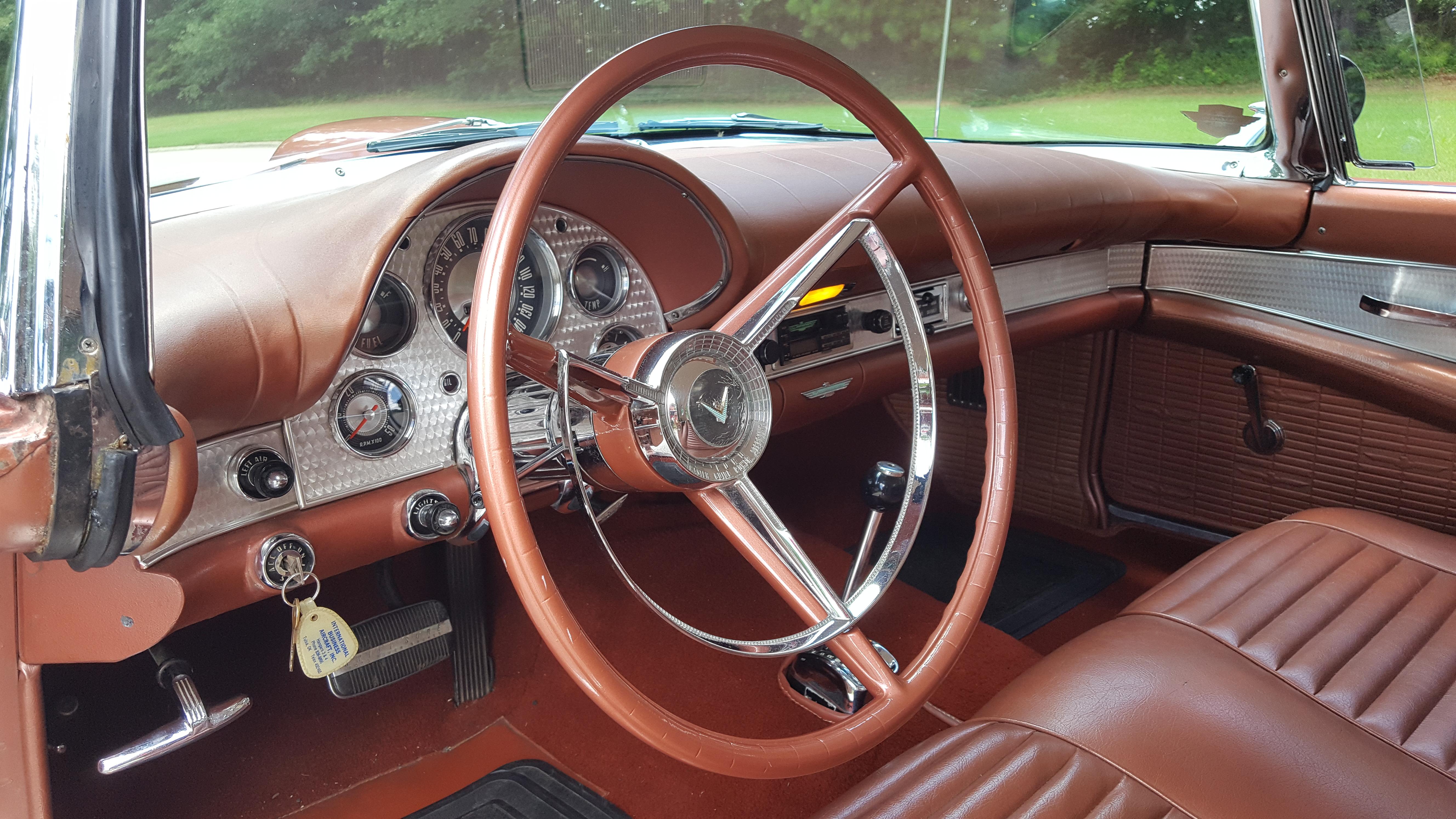 1957 Thunderbird (27)