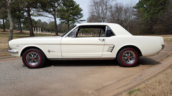1966 Mustang Coupe White (33) (Medium)