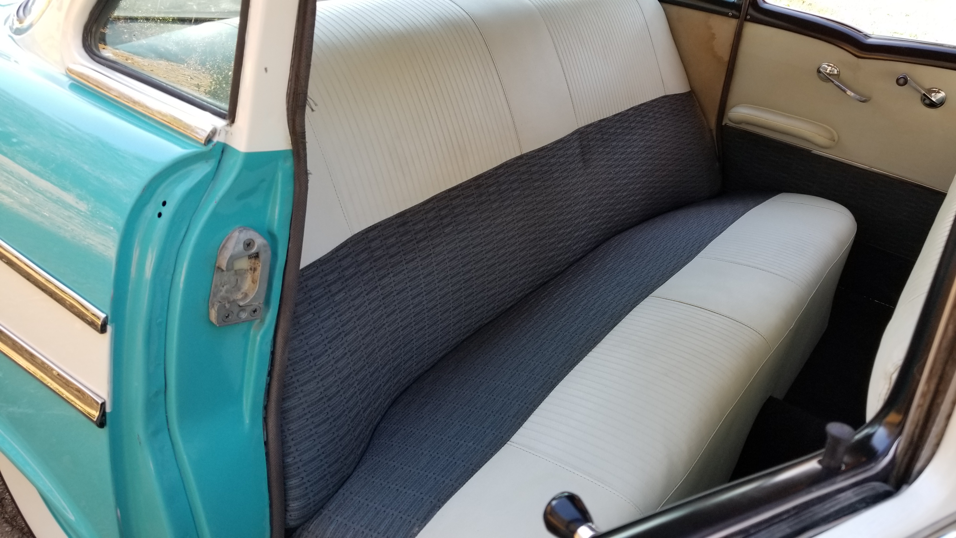 1957 Chevy 210 4 Door (31)