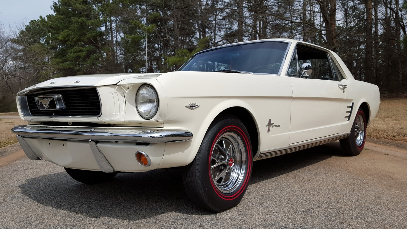 1966 Mustang Coupe White (29) (Medium)