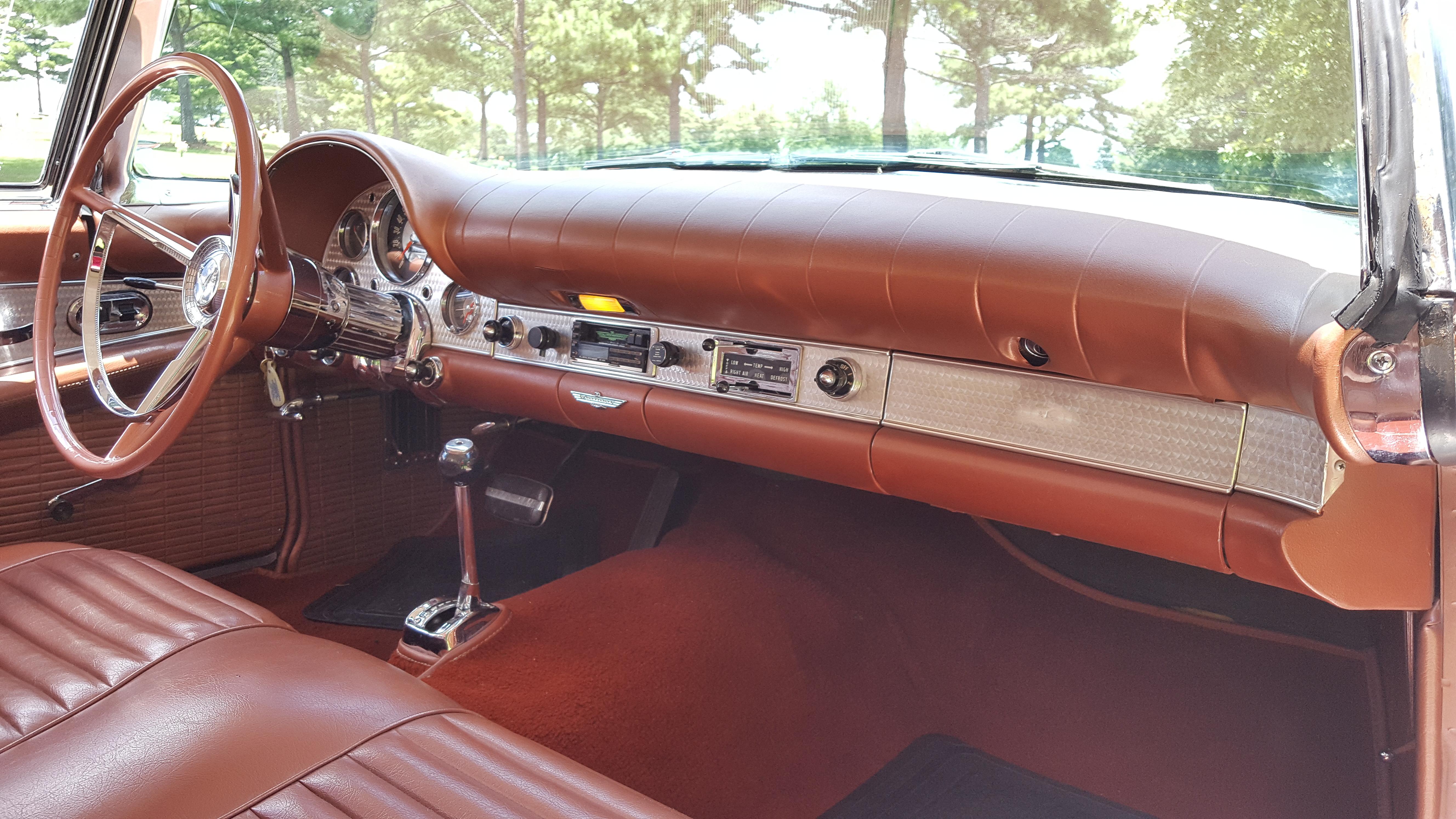 1957 Thunderbird (11)