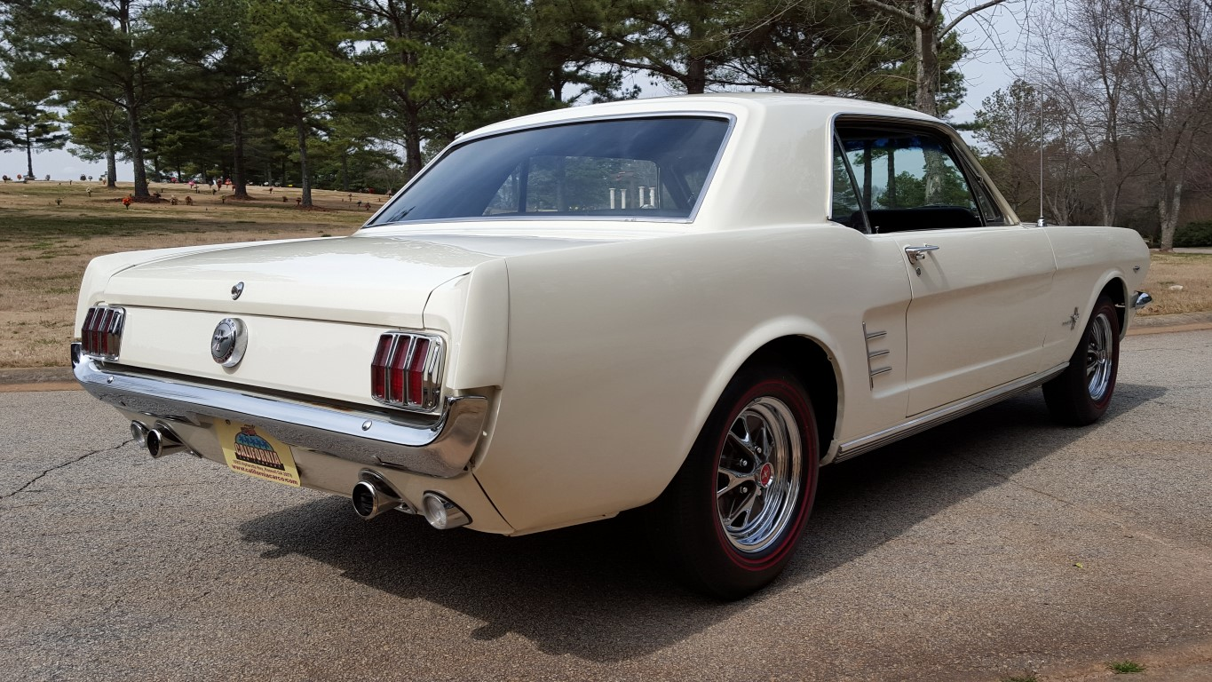 1966 Mustang Coupe White (6) (Medium)