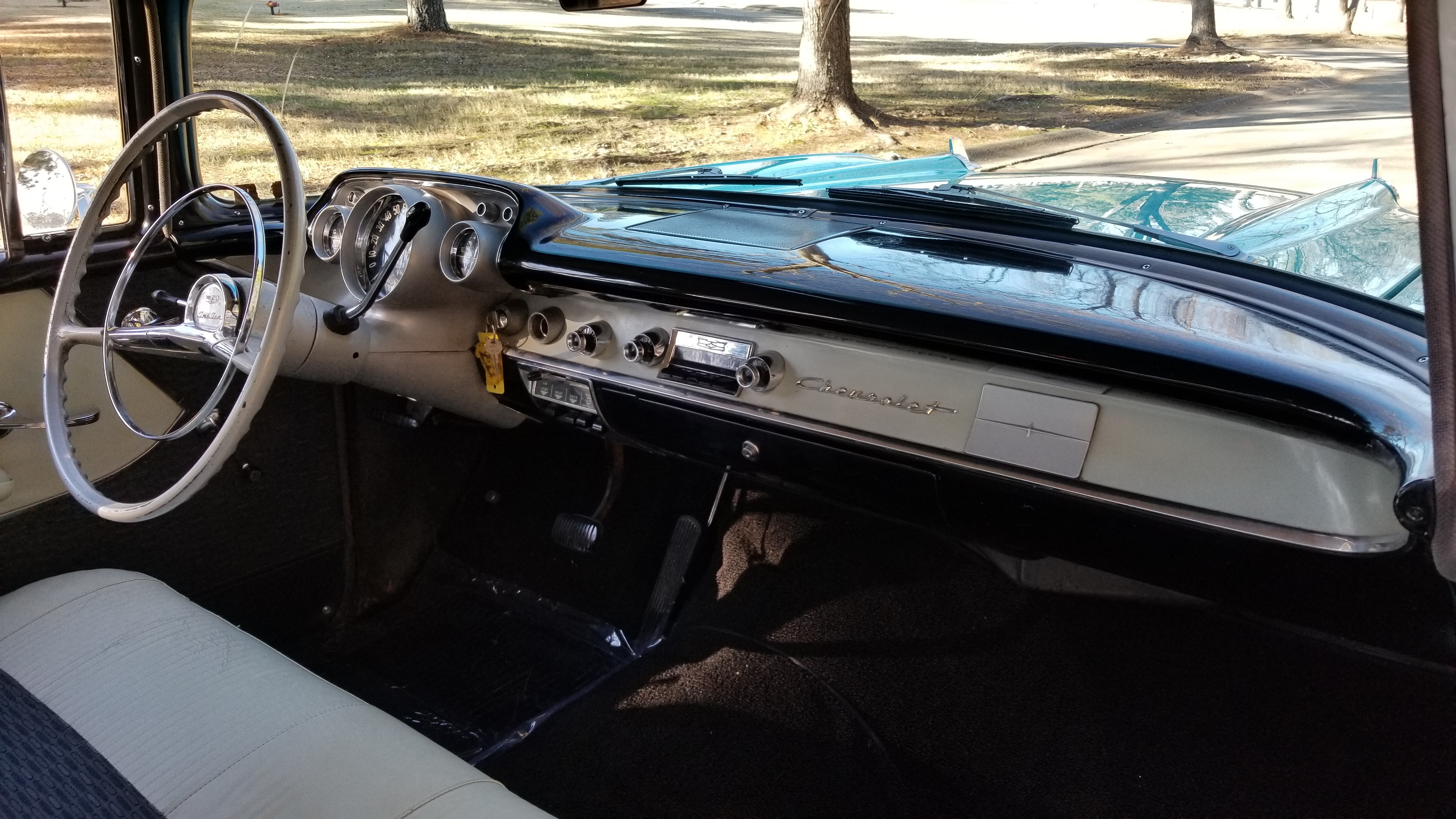 1957 Chevy 210 4 Door (28)