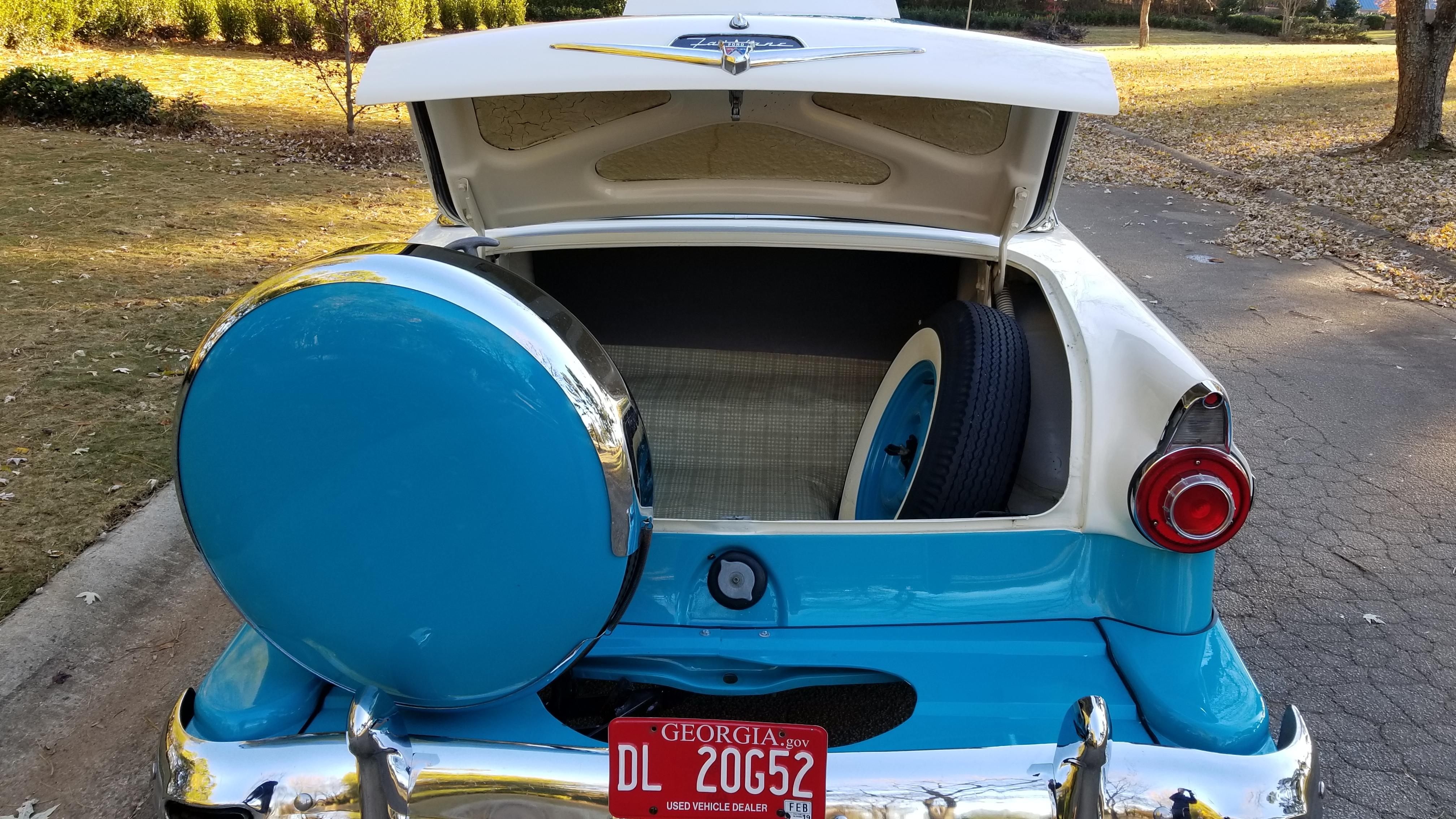 1956 Ford Victoria (39)