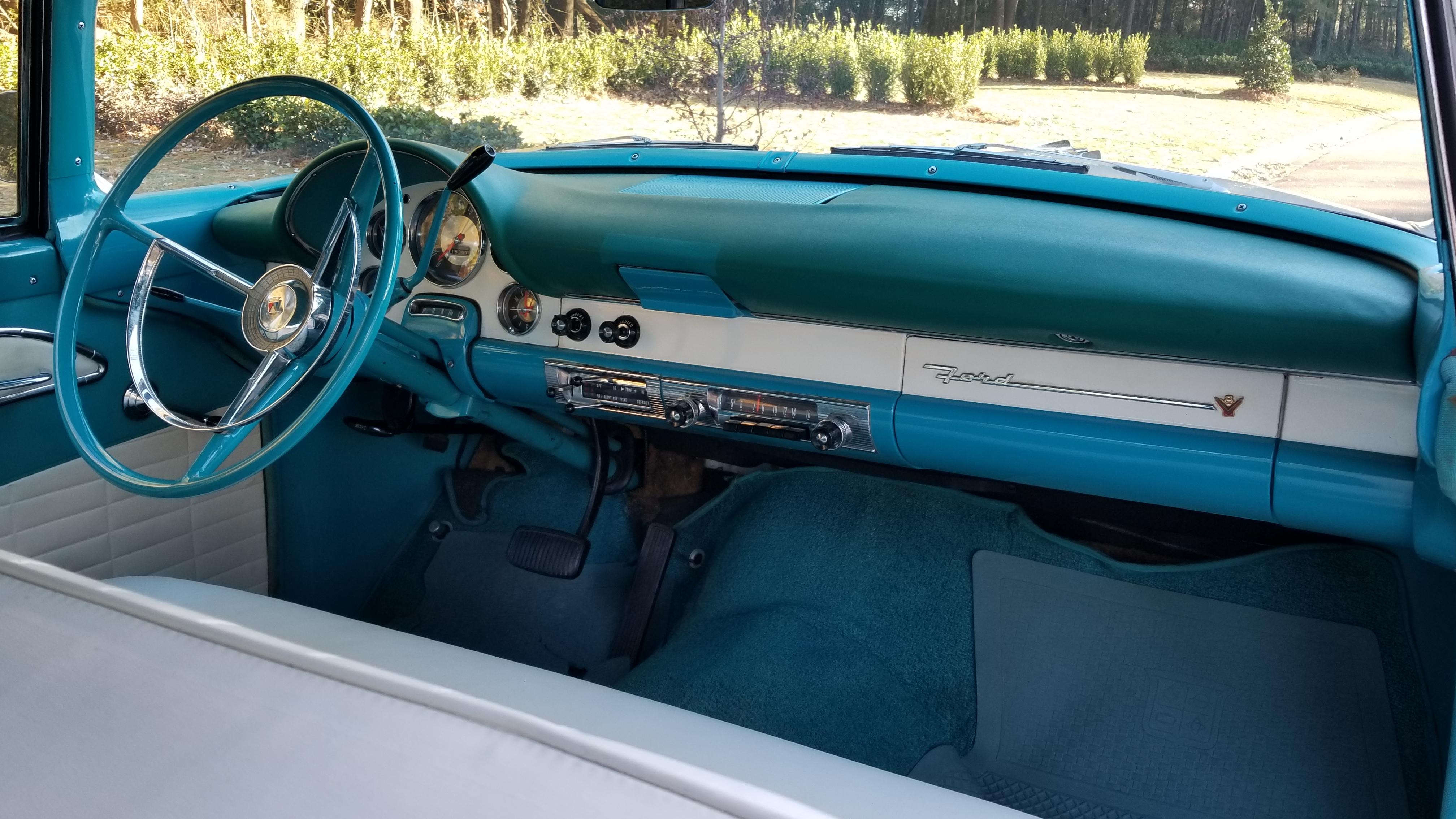 1956 Ford Victoria (50)