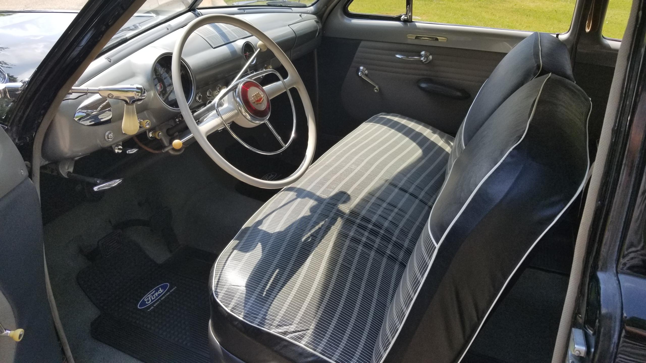 1950 Ford Tudor Custom Deluxe(22)