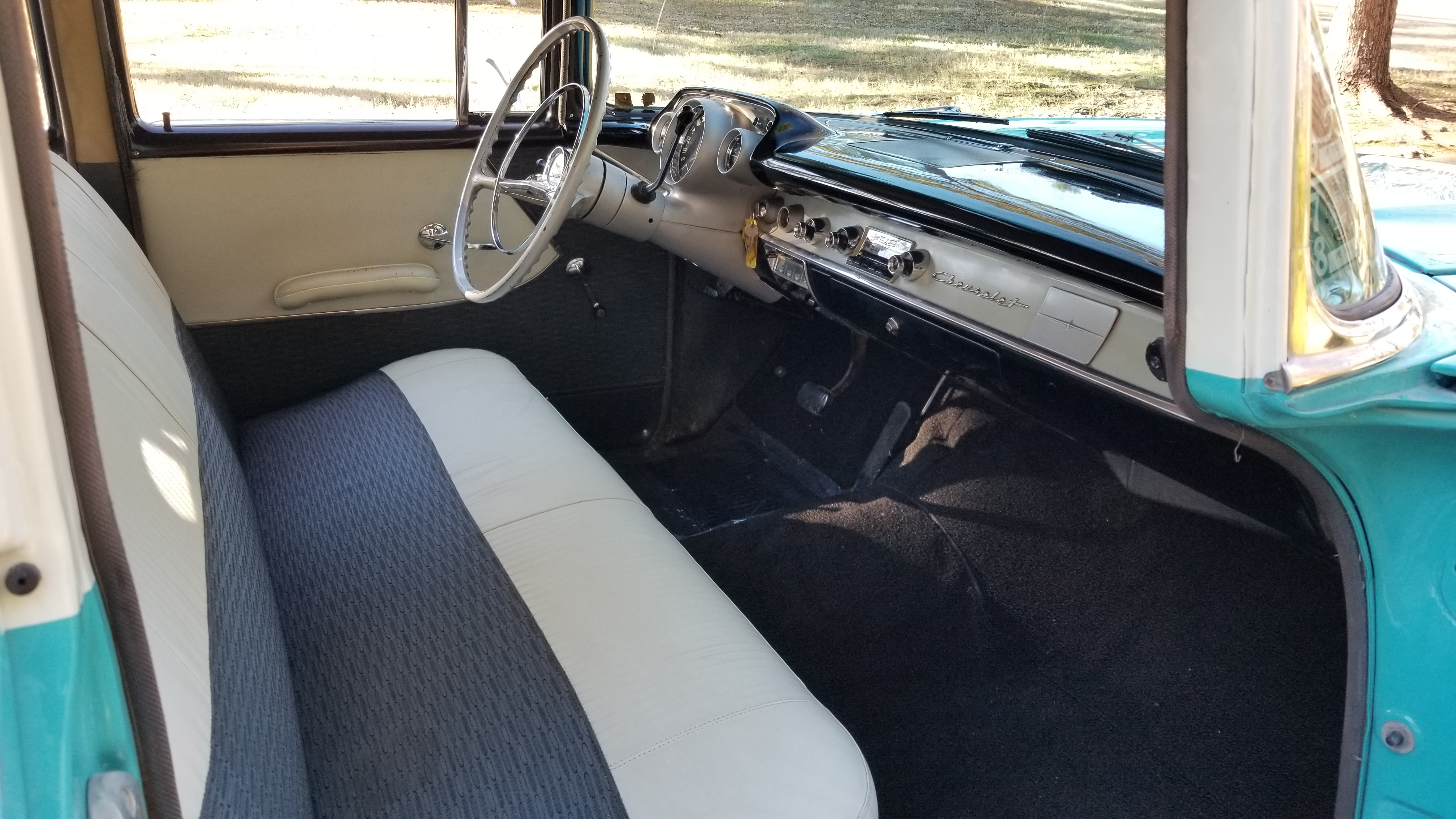1957 Chevy 210 4 Door (26)