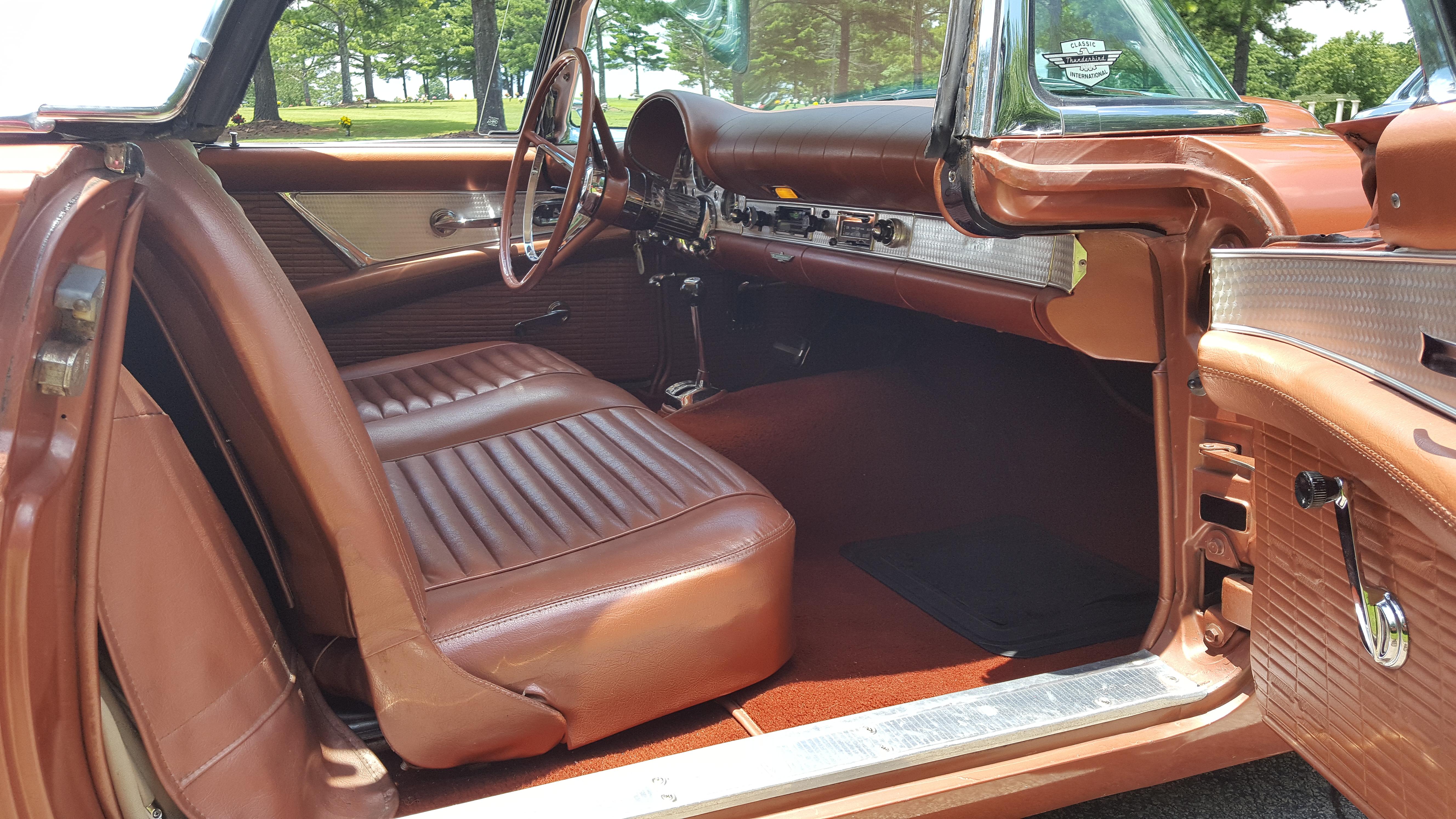 1957 Thunderbird (10)