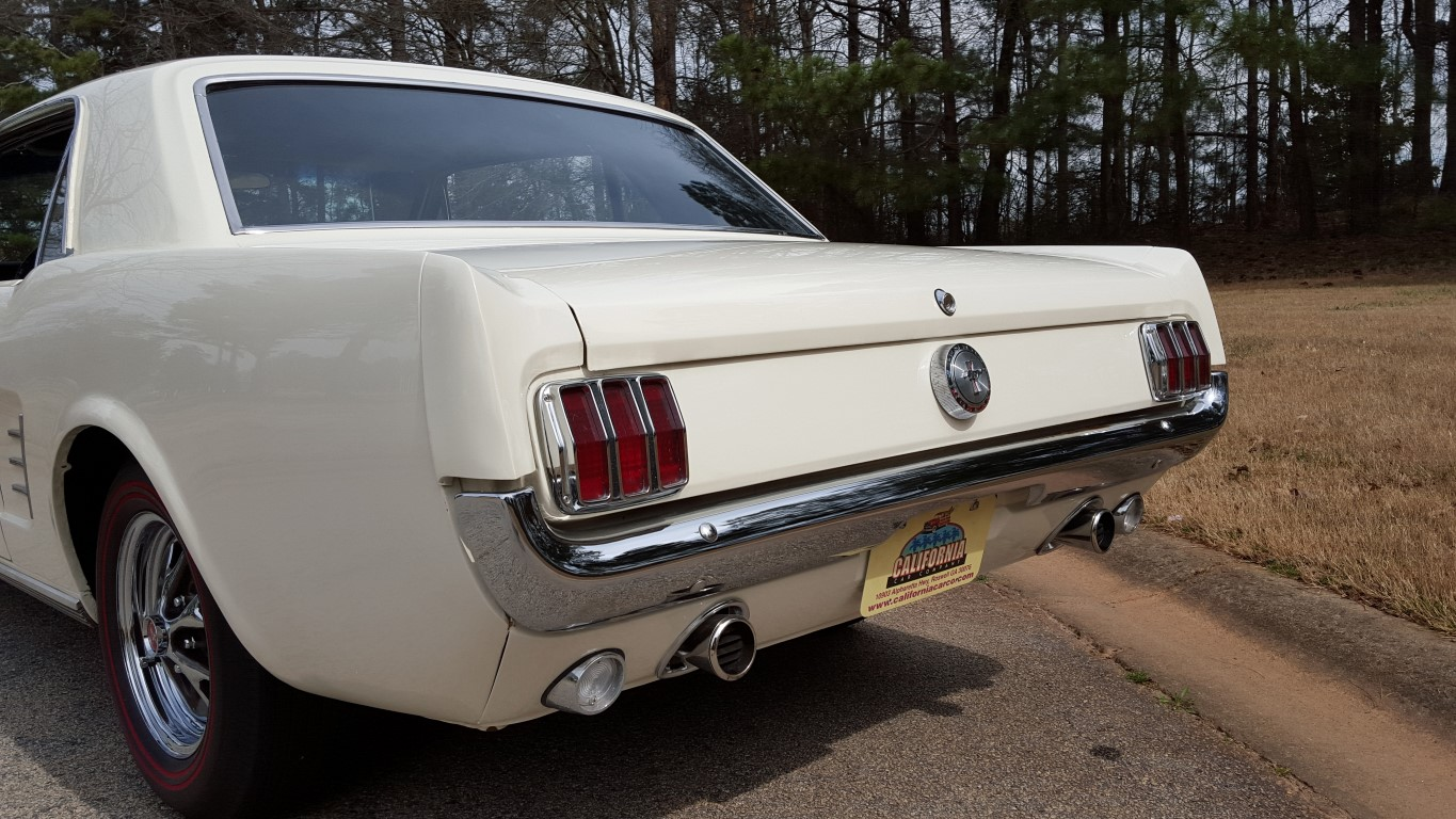 1966 Mustang Coupe White (25) (Medium)