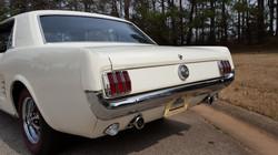 1966 Mustang Coupe White (25) (Medium)