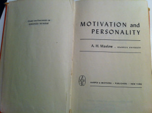 livro maslow 1954 mitivation and personality, prof wankes leandro