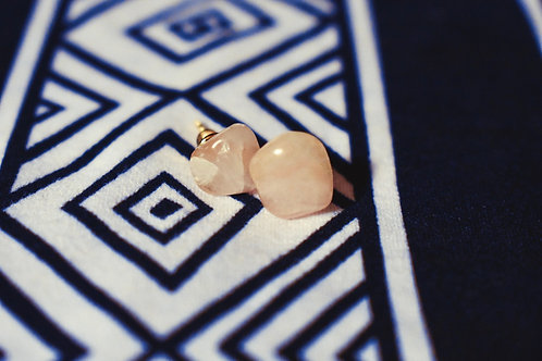 Feel good Rose quartz studs