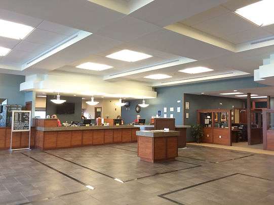The spacious and attractive bank lobby is open to customers and staff for all bank services. DE|SL LLC