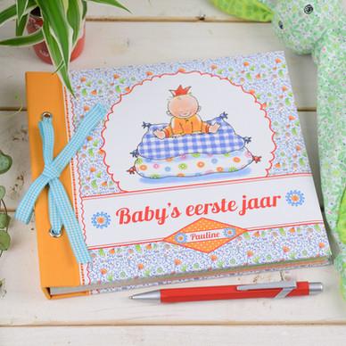 Baby's eerste jaar - Pauline