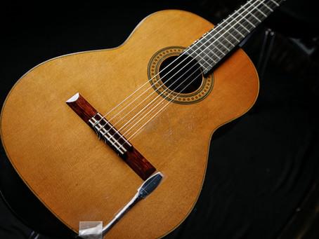 古賀氏の使用ギター、機材     5■西野春平  ガットギター