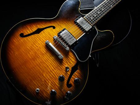 古賀氏の使用ギター、機材 3■Gibson ES-335