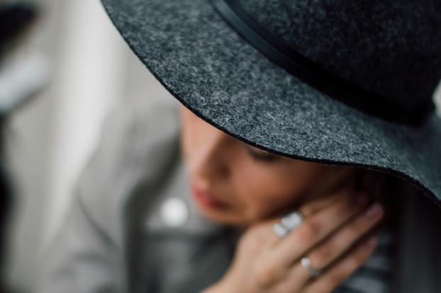 Frau in einem Hut