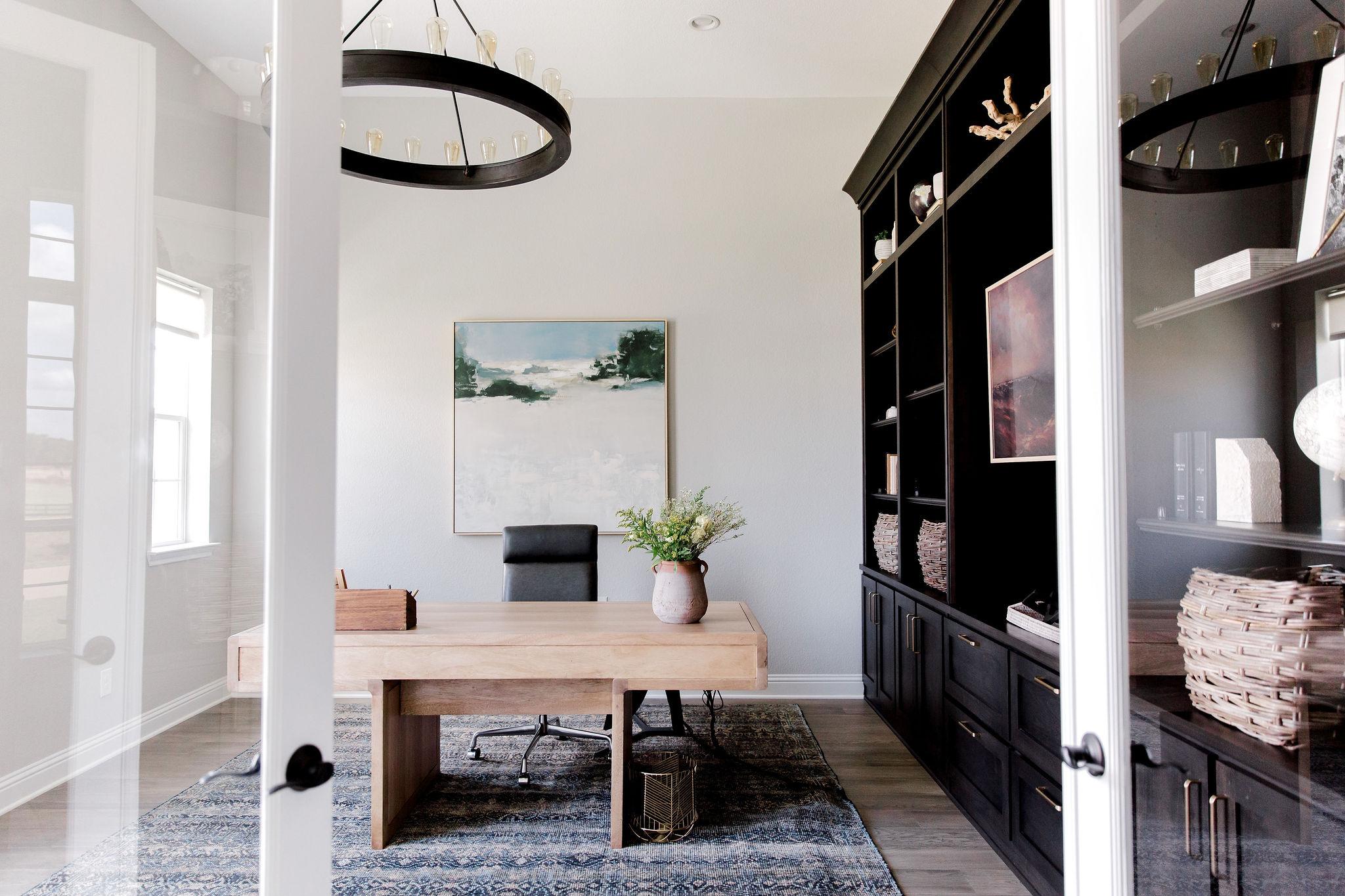 Office design by Laura Design and Co, Da