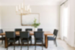 Dining room design by Laura Design & Co,