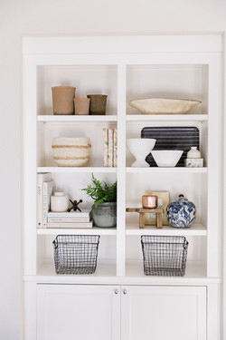 Shelf styling by Laura Design and Co, Da