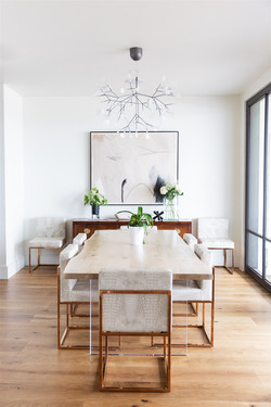 Dining room design by Laura Design and C