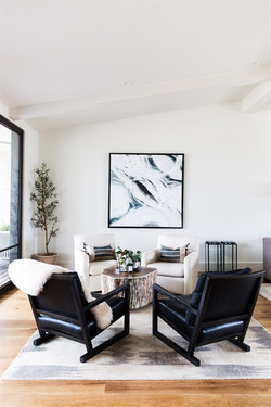 Living room design by Laura Design and C