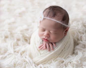 potato-sack-pose-ottawa-newborn-photogra