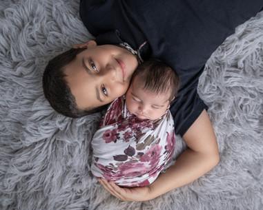 ottawa-photographer-newborn-sibling.jpg