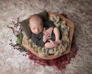 ottawa-newborn-photographer-christmas-ba