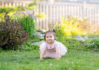 baby-photo-session-ottawa-garden.jpg