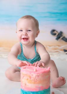 beach_cake_smash_ottawa_photography.jpg