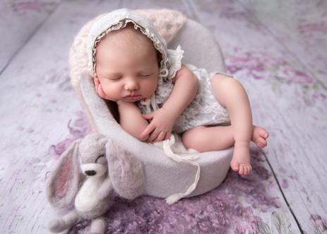 ottawa-newborn-photography-baby-chair-po