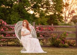 maternity-photographer-ottawa-roses