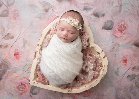 heart-bowl-prop-ottawa-newborn-photograp