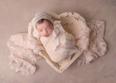 ottawa_newborn_photographer_valentine.jp