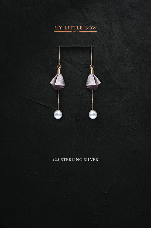 Flutter and Pearl earrings in sterling silver