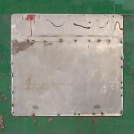 Podria ser art contemporani... però són les restes del naufragi d'una oficina bancària
