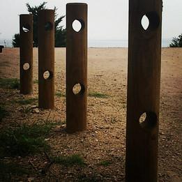 Podria ser art contemporani... però són les restes d'una instal·lacio per fer salut